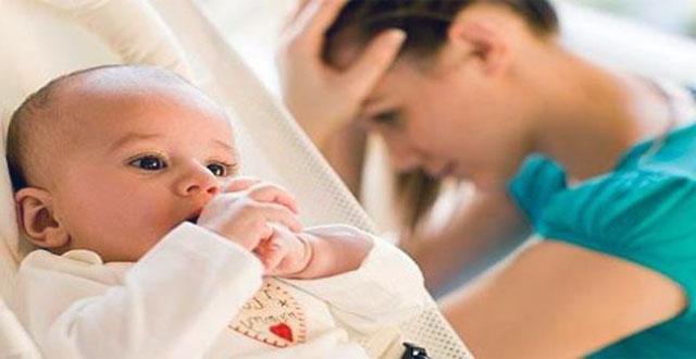 Cuando la mamá está preocupada por el dinero, el bebé podría ser más pequeño
